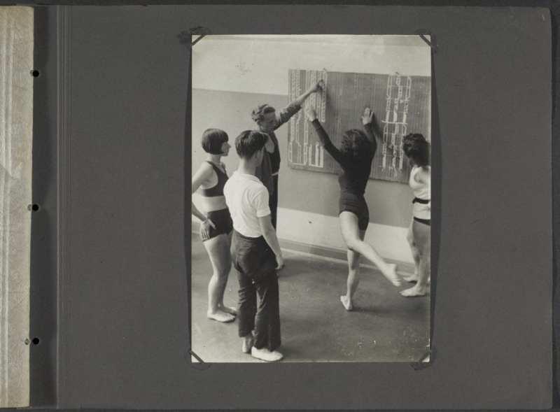 """""""La bailarina del futuro"""", una mirada a la danza moderna a través de siete figuras transgresoras"""