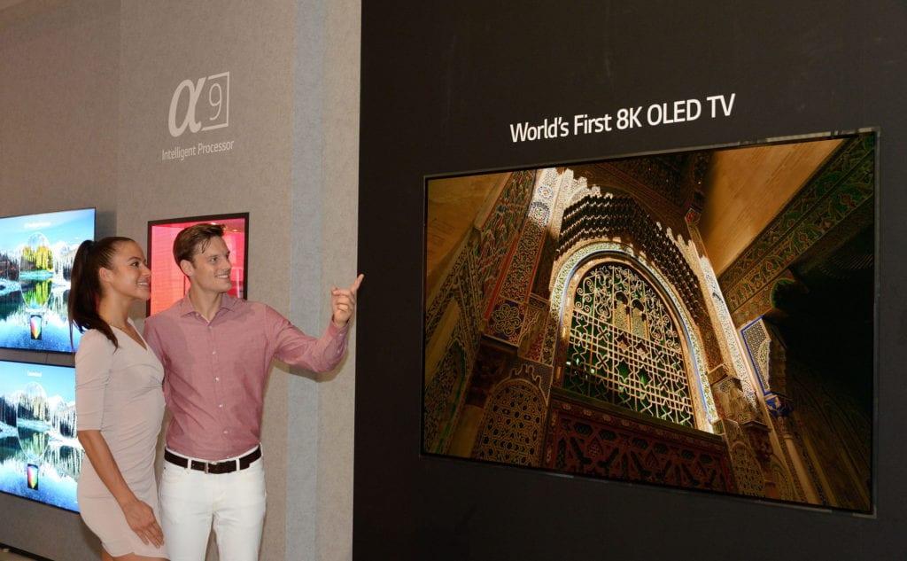 LGE 8K OLED TV 01 - IFA 2018 | LG presenta en el primer TV OLED 8K del mundo