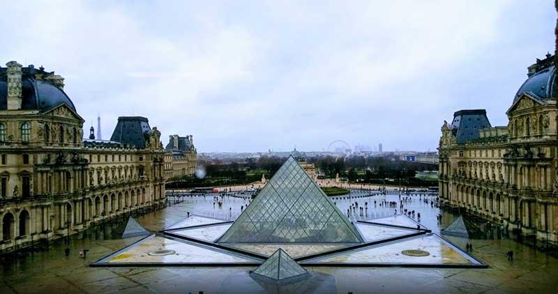 Louvre - Día Del Orgullo Friki: Visita Con Google Earth Las 10 Localizaciones De Las Películas De Superhéroes Más Famosas