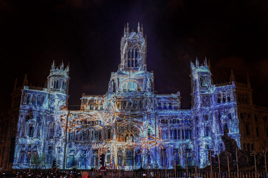 Panasonic Navidad Palacio de cibeles 11 - Panasonic cubre de Navidad el Palacio de Cibeles de Madrid