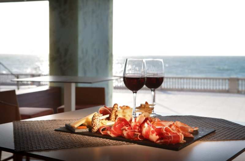 Parador de Cádiz 1024x674 - ¿Vas a comer en Paradores? ¡Llévate a casa la comida que te sobre!