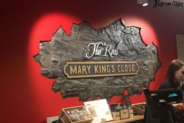 Recorriendo las calles de Mary King's Close en Edimburgo