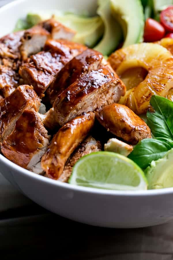 Garlic and Lime Bbq Chicken Salad | http://cafedelites.com