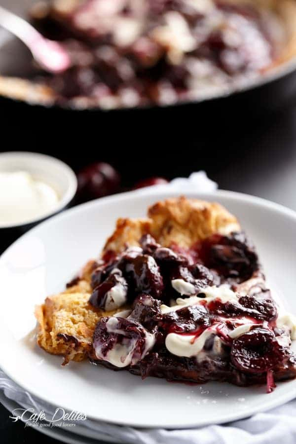 Chocolate-Cherry German Pancake (or Dutch Baby Pancake) | http://cafedelites.com