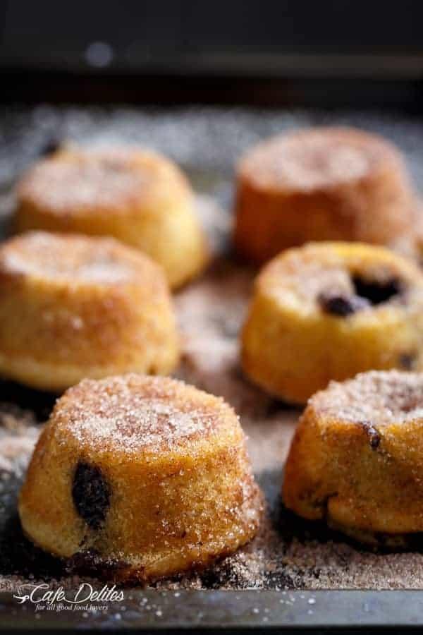Churro Lava Cakes | http://cafedelites.com