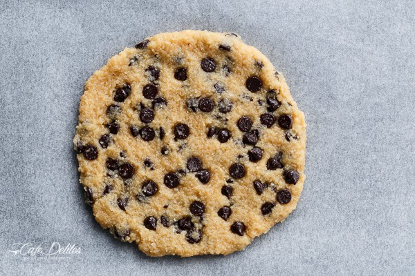 Single Serve Jumbo Low Carb Chocolate Chip Cookie | http://cafedelites.com