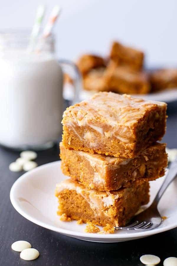 Cinnamon-Cheesecake-Swirl-Pumpkin-Cake-Slice - Cafe Delites