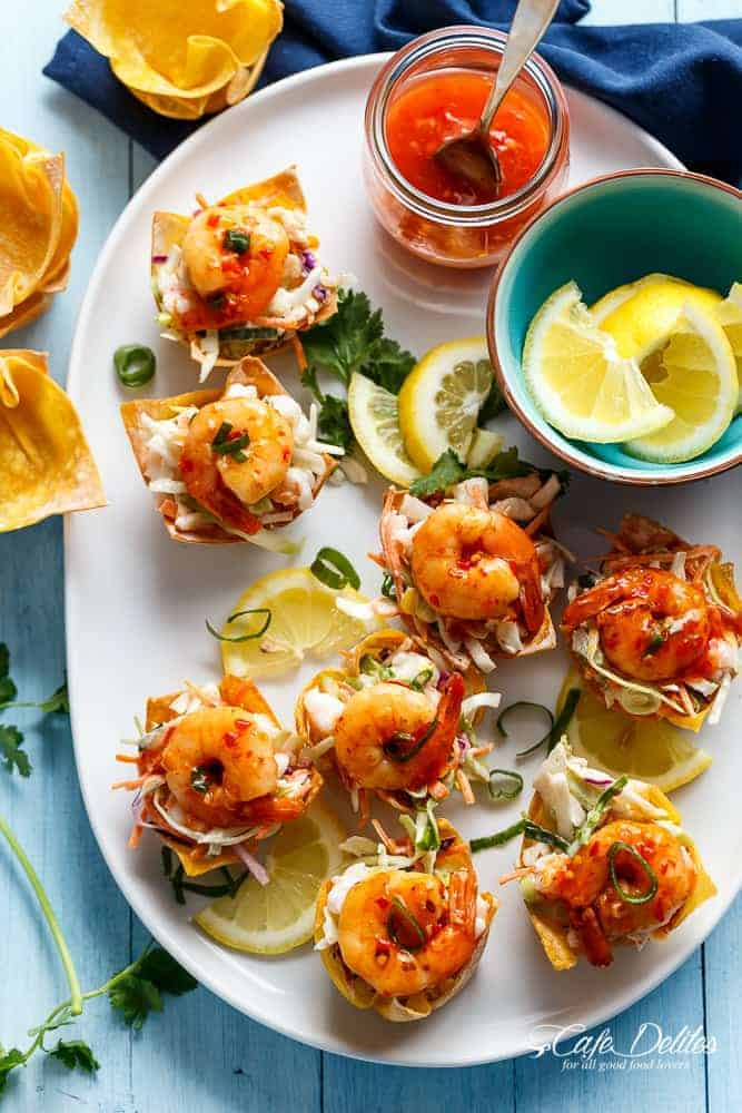 The ultimate appetiser! Garlic Prawn (Shrimp) Salad Wonton Cups with Sweet Chilli Sauce | https://cafedelites.com
