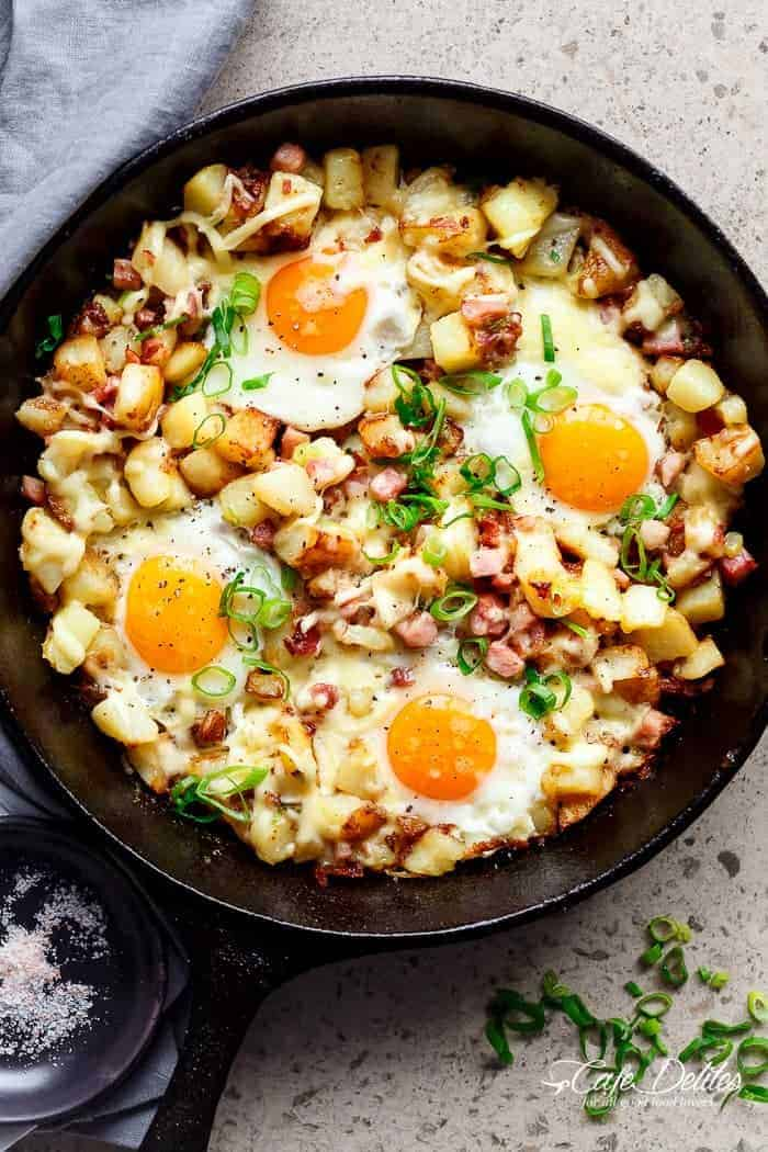 Cheesy Bacon and Egg Hash for breakfast, brunch, lunch or dinner! Easy to make and ready in 30 minutes -- all in one skillet or pan! | https://cafedelites.com
