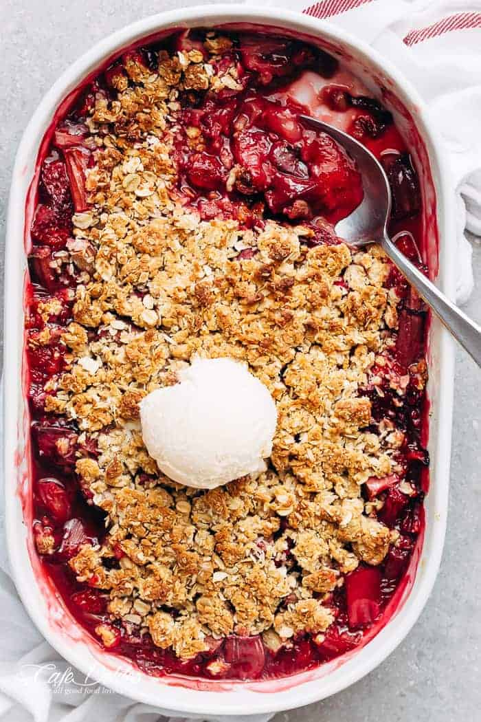 Strawberry Rhubarb Crisp (Crumble)