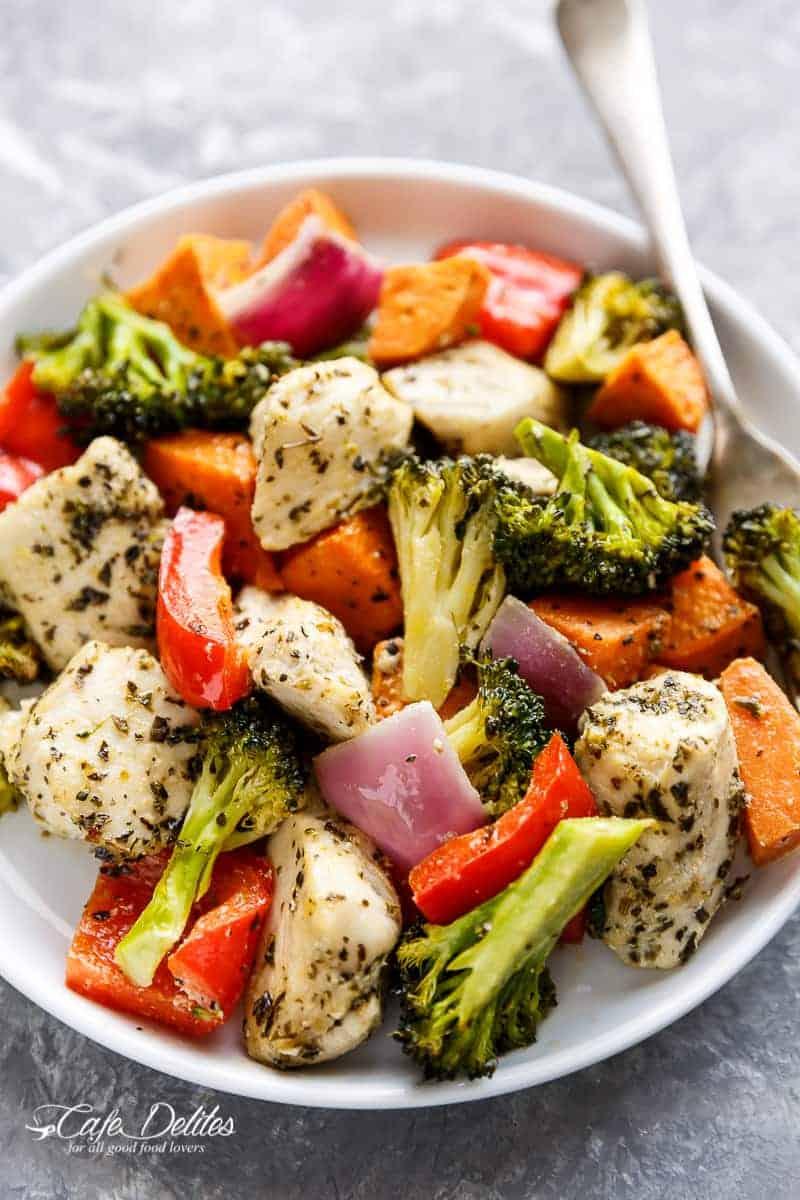 Garlic Herb Chicken & Sweet Potato Sheet Pan Meal Prep | http://cafedelites