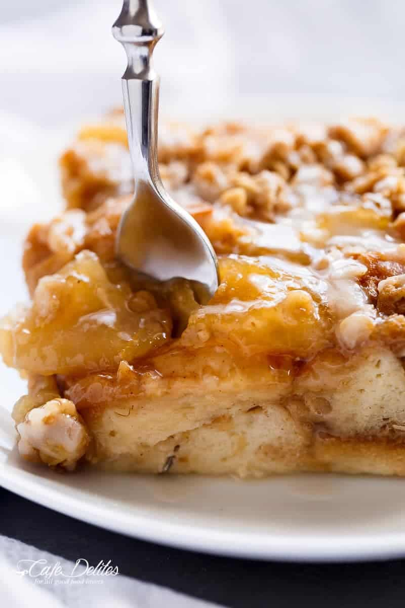 Apple Pie French Toast Bake (Casserole) | https://cafedelites.com