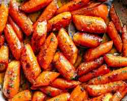 Honey Garlic Butter Roasted Carrots | cafedelites.com