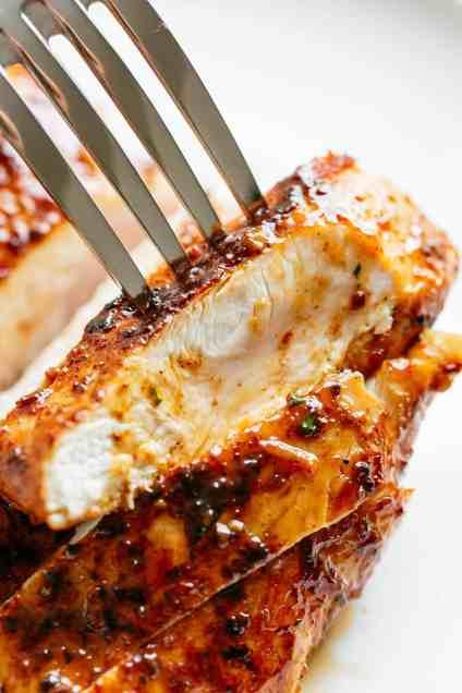Sliced juicy oven baked chicken breast #easychicken #dinner #recipe #bakedchicken #chickenbreast