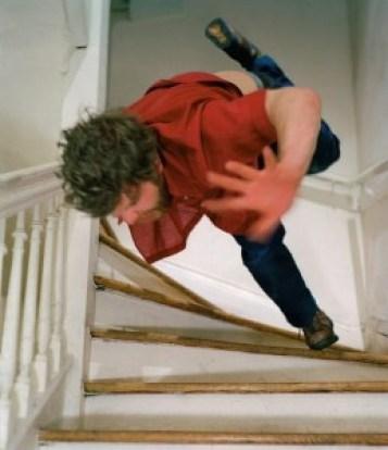 chute dans les escaliers