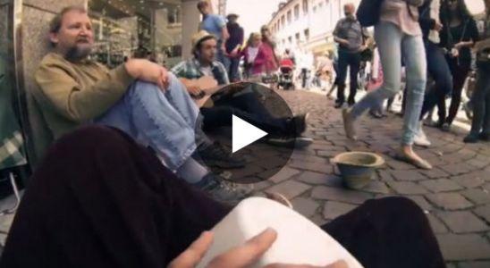 des-etudiants-allemands-font-une-belle-surprise-a-un-sans-abris