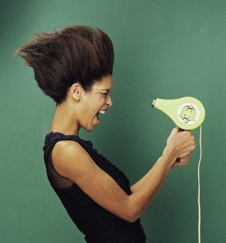 astuce s chez vos cheveux deux fois plus vite. Black Bedroom Furniture Sets. Home Design Ideas
