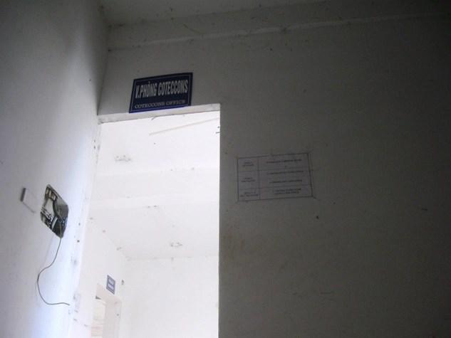 Hoang tàn trụ sở Trincon Towers sau khi bị khách hàng