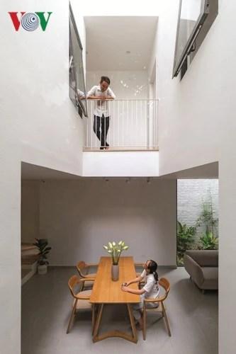 Nhà trong ngõ hẹp vẫn chan hòa ánh sáng - Ảnh 4.