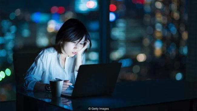 Nhật Bản: Chính phủ kêu gọi nghỉ ngơi, dân công sở vẫn miệt mài làm việc