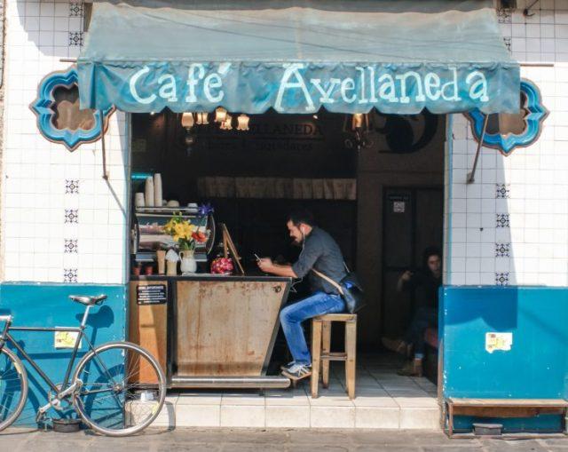 Café Avellaneda entrance