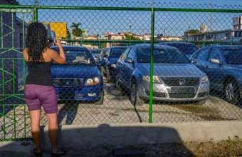 Cuba y la venta de autos: un sueño que huye en cuatro ruedas
