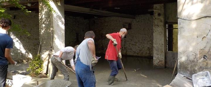 Une dalle pour la grange: objectif atteint grâce à vous