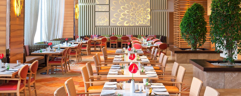 Top Tips To Keep Your Restaurant Full This Holiday Season