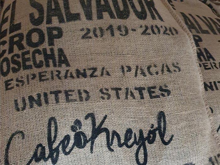 cafe kreyol organic coffee farmers pacas estate finca la esperanza el salvador 01
