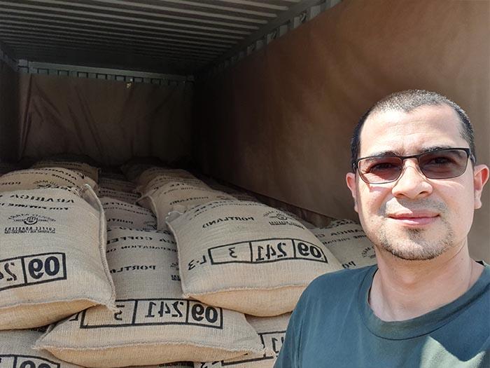 cafe kreyol organic coffee farmers pacas estate finca la esperanza el salvador 03