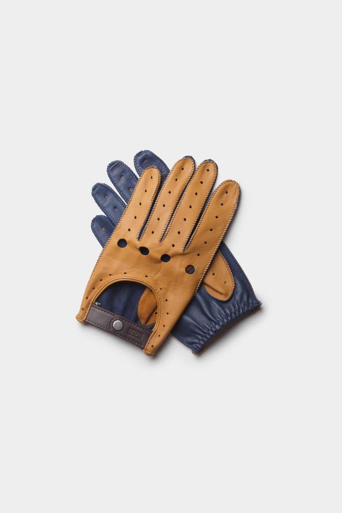guantes de conducir marrones