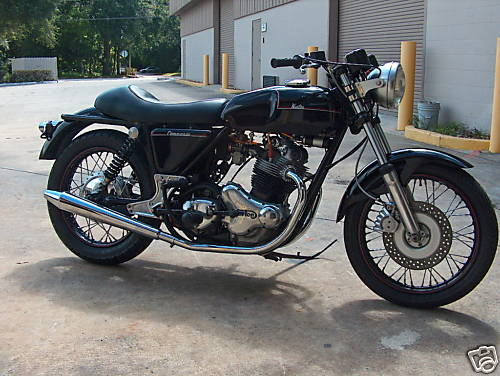Norton Commando 850 1978 Cafe Racer 01