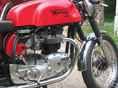 Triton 750 Cafe Racer 02