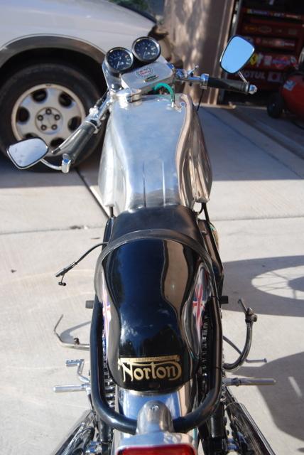 Norton Commando 850 1971 CR 04