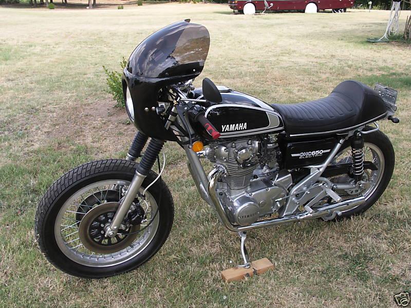 Yamaha XS650 1975 Cafe Racer 01