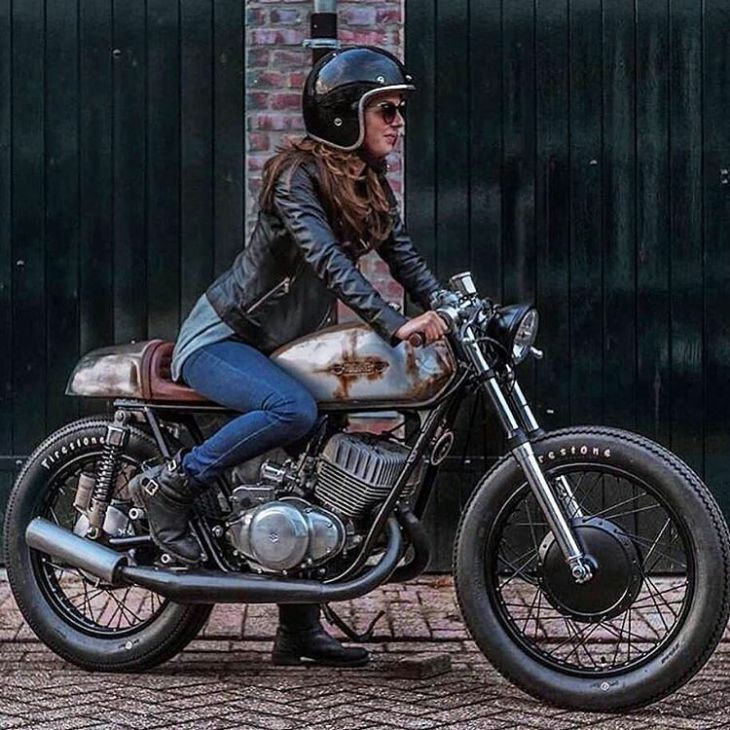 #Suzuki T350 by Good Speed Customs @rick.goodspeed #goodspeedcustoms 📷 Willem Jan-Smulders @filmjan at WJFS . #caferacer #caferacers #caferacersofinstagram #caferacersculture #caferacerbuilds #vintage #vintagestyle #vintagefashion #motocycle #moto #motos #motorcycles #oldstyle #oldschool #bratstyle #motorbike #motor #helmet