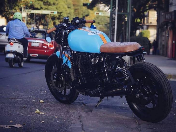 By @rcmotogarage 📷 José Luis Ruiz/Motorette . #caferacer #caferacers #caferacerstyle #caferacersculture #caferacerbuilds #vintage #vintagestyle #vintagefashion #motocycle #moto #motos #motorcycles #oldstyle #oldschool #bratstyle #motorbike #motor #helmet