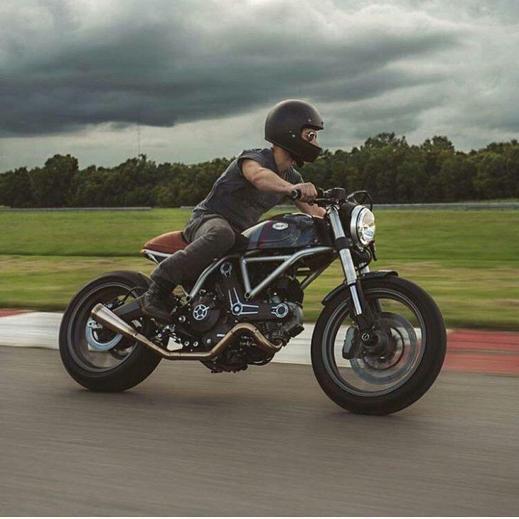 Custom #Ducati built by @ttrnomoto . #caferacer #caferacers #caferacerstyle #caferacersculture #caferacerbuilds #vintage #vintagestyle #vintagefashion #motocycle #moto #motos #motorcycles #oldstyle #oldschool #bratstyle #motorbike #motor #helmet