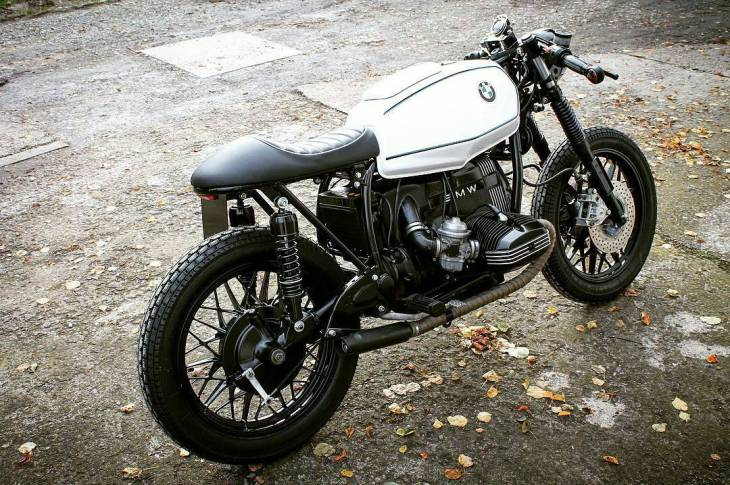 By @mechanic_monkey_garage . #caferacer #caferacers #caferacerstyle #caferacersculture #caferacerbuilds #vintage #vintagestyle #vintagefashion #motocycle #moto #motos #motorcycles #oldstyle #oldschool #bratstyle #motorbike #motor #helmet