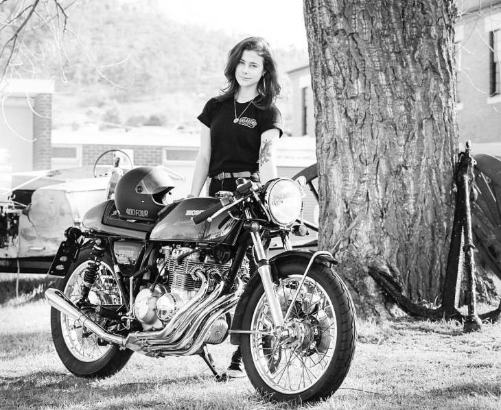 By @katieabdilla -  Because, pipes 📯🎺🎶 #cb400f .  #caferacer #caferacers #caferacerstyle #caferacersculture #caferacerbuilds #vintage #vintagestyle #vintagefashion #motocycle #moto #motos #motorcycles #oldstyle #oldschool #bratstyle #motorbike #motor #helmet