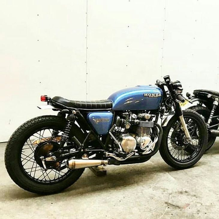 By @javier_marquez_ from #colombia 👍 . #honda #caferacer #caferacers #caferacerstyle #caferacersculture #caferacerbuilds #vintage #vintagestyle #vintagefashion #motocycle #moto #motos #motorcycles #oldstyle #oldschool #bratstyle #motorbike #motor #helmet