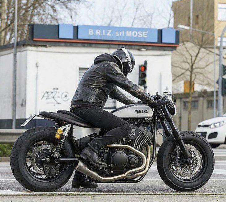 yamaha #vx950 by @motodiferro ... share by @italiacaferacer . #caferacer #caferacers #caferacerstyle #caferacersculture #caferacerbuilds #vintage #vintagestyle #vintagefashion #motocycle #moto #motos #motorcycles #oldstyle #oldschool #bratstyle #motorbike #motor #helmet