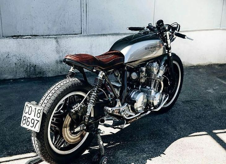 H O N D A | CB 750 by @ireful_motorcycles 📸 ————————————————— #caferacer #cb750 #honda #caferacer #caferacers #caferacerstyle #caferacersculture #caferacerbuilds #vintage #vintagestyle #vintagefashion #motocycle #moto #motos #motorcycles #oldstyle #oldschool #bratstyle #motorbike #motor #helmet