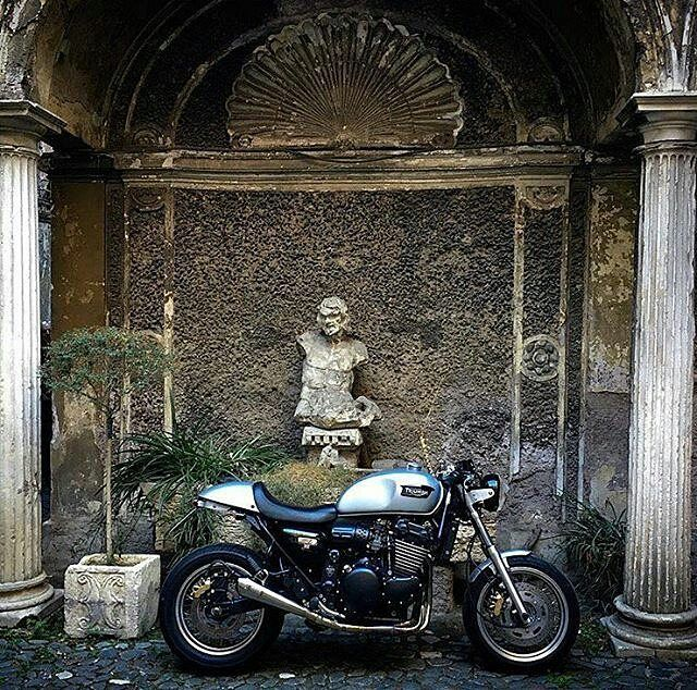By @caferacer_italia -  #triumph #thunderbird by @cafaprince10 🇮🇹 - . #caferacerItalia #caferacer #caferacers #caferacerstyle #caferacersculture #caferacerbuilds #vintage #vintagestyle #vintagefashion #motocycle #moto #motos #motorcycles #oldstyle #oldschool #bratstyle #motorbike #motor #helmet