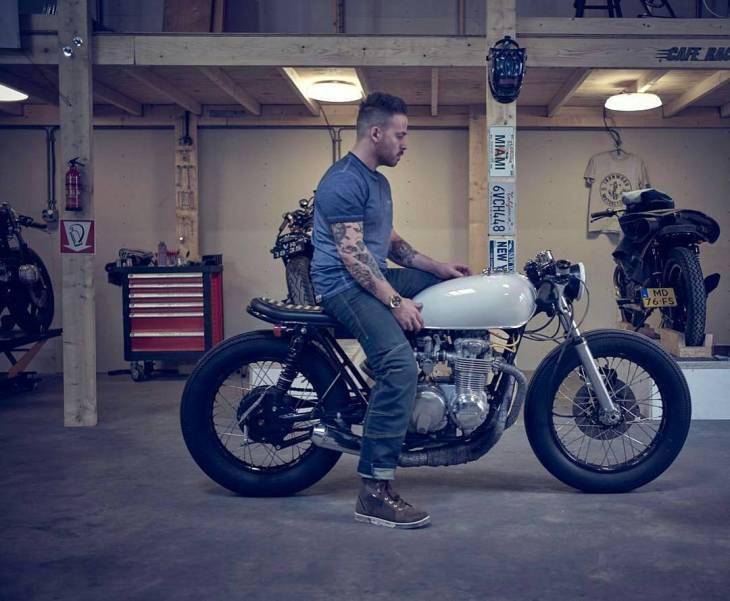 By @arjanvandenboom -  Photo by @dennisreher.de for @louismotorrad . #cb550 #Honda #caferacer #caferacers #caferacerstyle #caferacersculture #caferacerbuilds #vintage #vintagestyle #vintagefashion #motocycle #moto #motos #motorcycles #oldstyle #oldschool #bratstyle #motorbike #motor #helmet