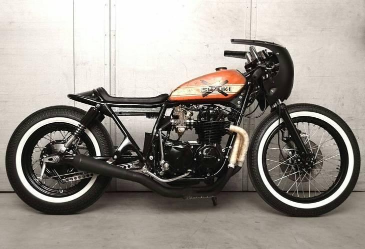 By @mademenbikes -  Our '76 CB550 #mademenbikes #denmark .  #caferacer #caferacers #caferacerstyle #caferacersculture #caferacerbuilds #vintage #vintagestyle #vintagefashion #motocycle #moto #motos #motorcycles #oldstyle #oldschool #bratstyle #motorbike #motor #helmet