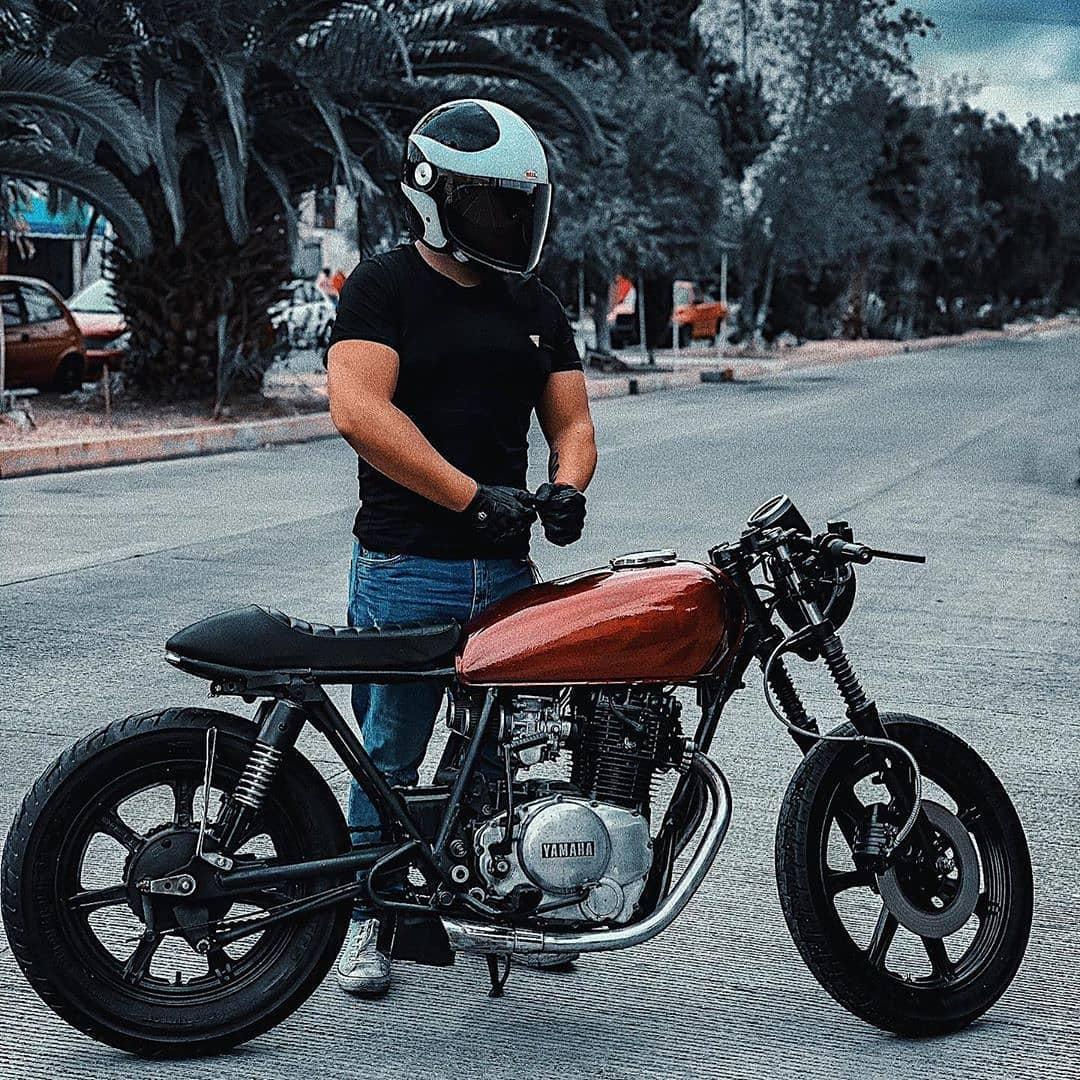 Yamaha XS400 by @alberthhdez