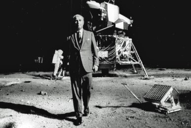 AJP092502 - Wernher von Braun walks around a replica of the Apollo 11 moon landing at Atlanta's Southeastern Fair, 9/25/69