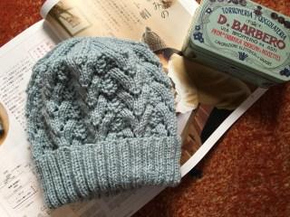 針葉樹の模様の帽子