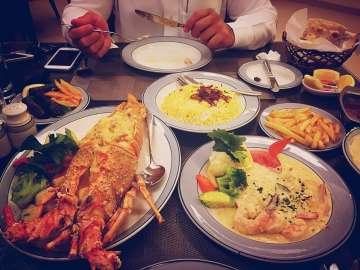 مطعم سمكيات